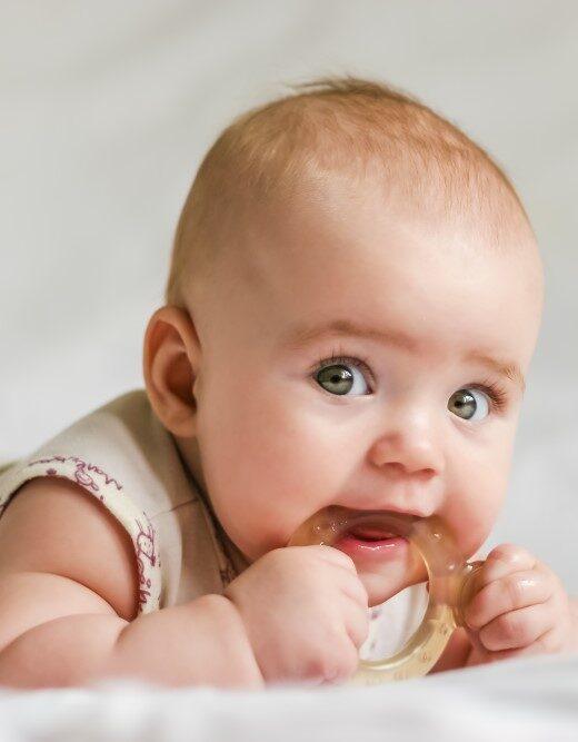Baby med bidering